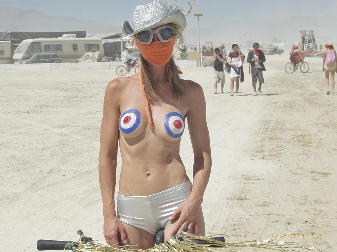 naked people at burning man Say varied